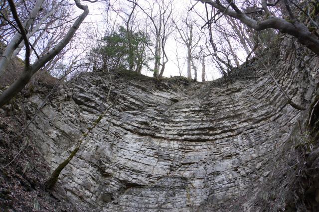die Felskante oberhalb des Teufelsklingenbröllers